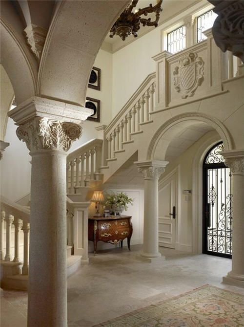 Old House Foyer : Wow now this is one breathtakingly beautiful foyer but