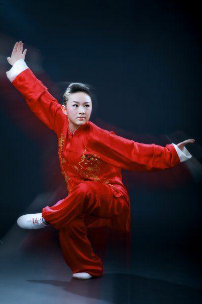 Kung Fu Eagle Style Beautiful and K...