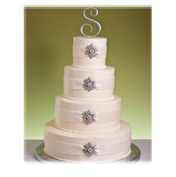 Winter Crystals Wedding Cake #dental #poker