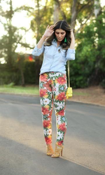 Camisa jeans + calça floral