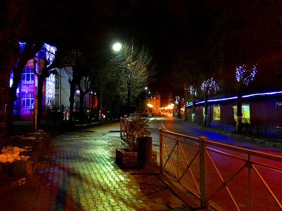 Новогодняя улочка г. Зеленоградска. Фото: Evgenia Shveda