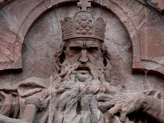 barbarossa statue | Denkmal für Kaiser Friedrich I. Barbarossa im Kyffhäuser-Gebirge