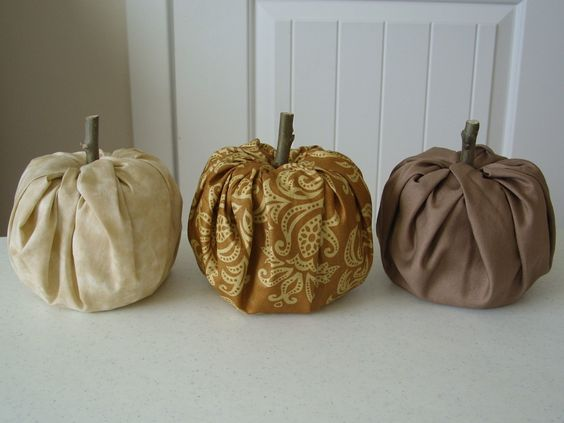 Fall pumpkins out of a t.p. roll!
