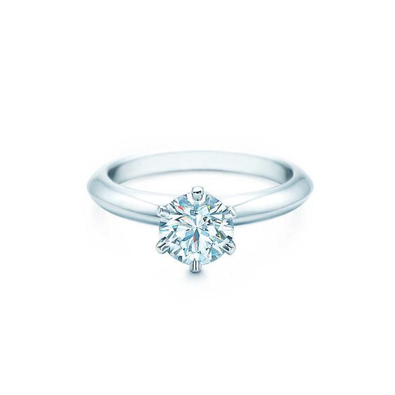 Der Tiffany® Setting: der berühmte Verlobungsring von Tiffany VerlobungsringeTiffany & Co.