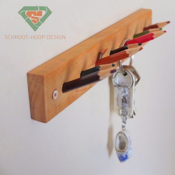 Schroot-Hoop Design (Scrap Heap) colored pencil upcycle
