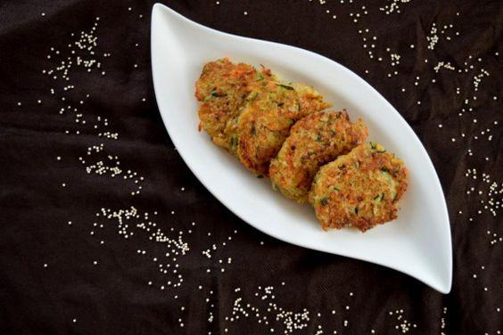 Die Quinoa-Bratlinge eignen sich super als Hauptspeise aber auch als kleine Nascherei zwischendurch! #quinoa #snack #vegetarian  http://www.sarahsbackblog.de/quinoa-bratlinge/