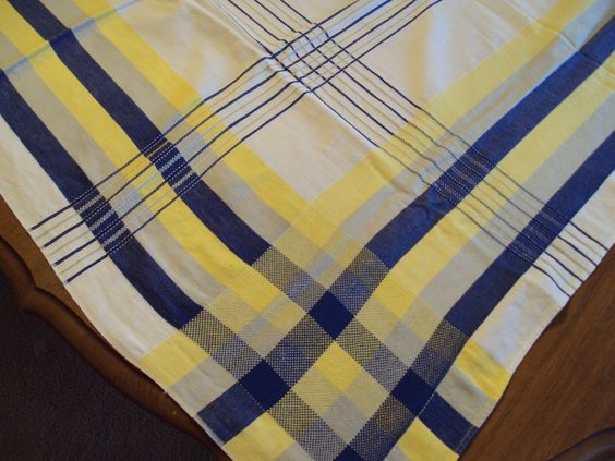 Blue yellow color combinations and tablecloths on pinterest for Blue and yellow paint combinations
