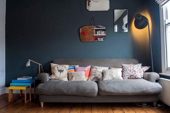 This comfy corner looks a wonderful place to recline and read a book, chat on the phone or have an afternoon snooze; the huge sofa & cushions enveloping you