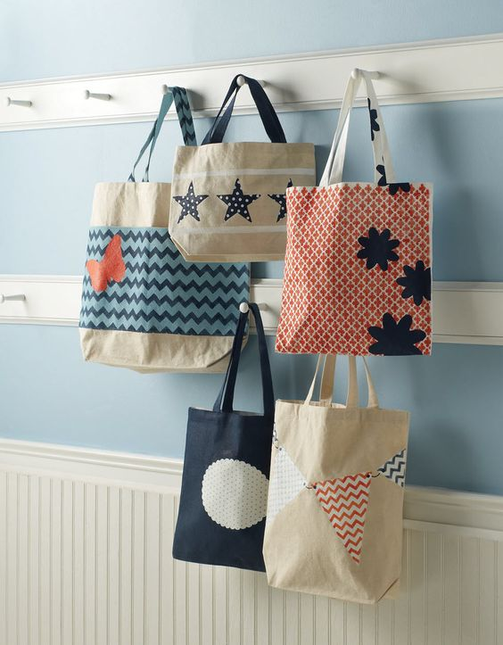 These totes are perfect for any summer outing. DIY your own with #marthastewartcrafts stencils and craft paints, all available @Michael Dussert Dussert Sullivan Stores