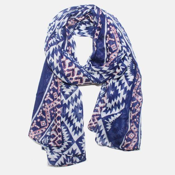 Online op webshop AUkO sjaals: Blauwe sjaal met geometrisch motief in wit en…