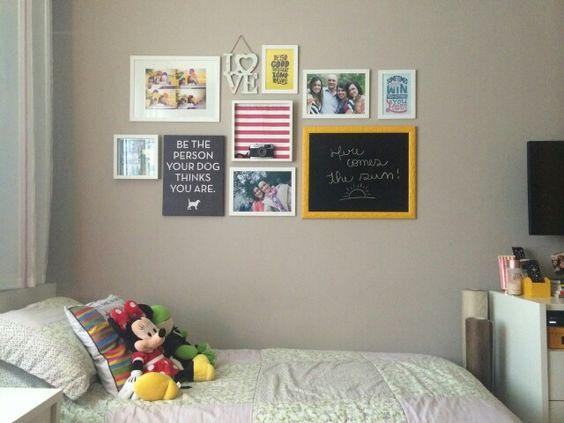 Finalmente conseguimos colocar os quadros na parede!!
