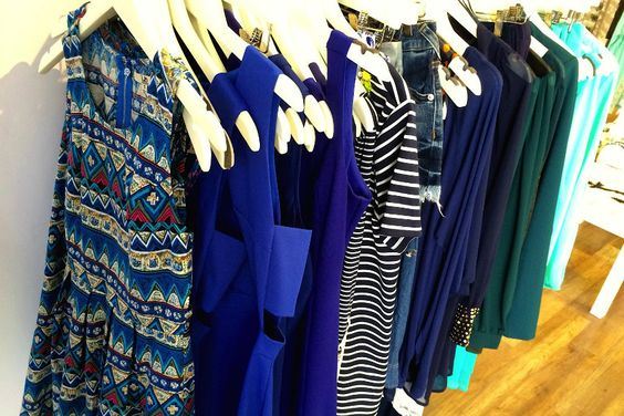 Wickford shop Elle G offers cheap, chic and colorful gear in person or on the Web.