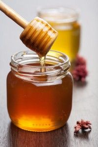 Remplacer le sucre blanc dans une recette par du sirop d'érable ou du miel