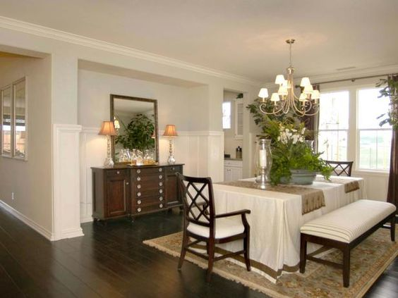 Dining room niche this formal dining room features a for Dining room niche ideas