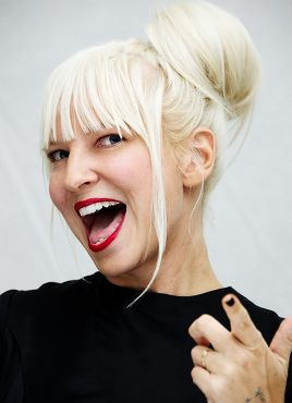 Sia and her face in my opinion are beautiful together!!!! - SIA YOU HAVE NOTHING TO HIDE !!!!