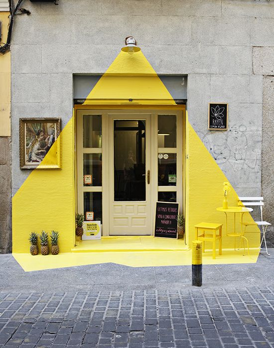 A partir de experiencias locales en dirección de imagen en rrss (medios propios) http://comunisfera.blogspot.com.es/2016/06/estrategia-de-marca-en-redes-sociales.html se plantean estrategias con medios ganados desde redes sociales. La foto no sé de quién es. Es el restaurante Rayuén Vegan en Lope de  Vega, Madrid.