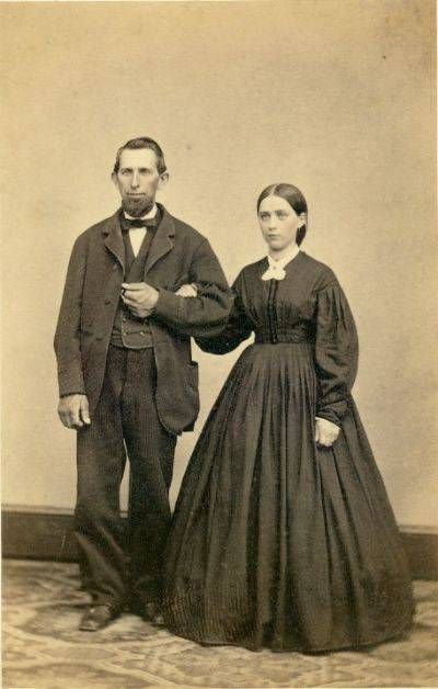 """This is how most people dressed during the Civil War era, not like Scarlet…:"