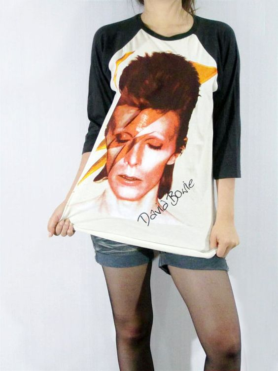 Bowie (;