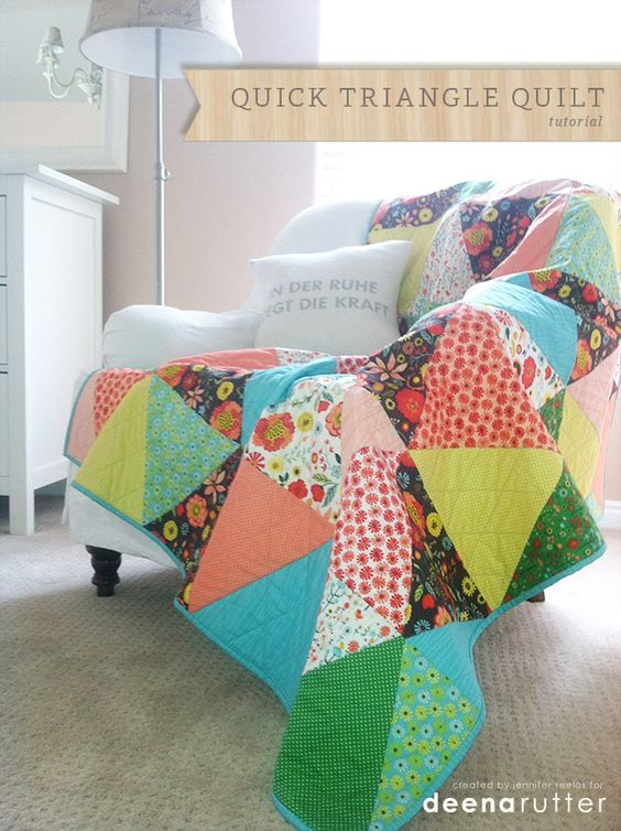 Triangle Quilt Tutorial featuring Roots and Wings fabric by Deena Rutter for Riley Blake Designs #deenarutter #rootsandwings #rileyblakedesigns