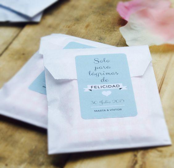 Pañuelos para lagrimas de felicidad - entrada boda - ideas blog Odilia Bridal