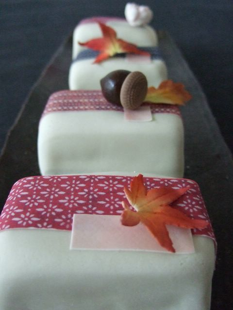 Individual 'sushi' cakes from Maki's Cakes