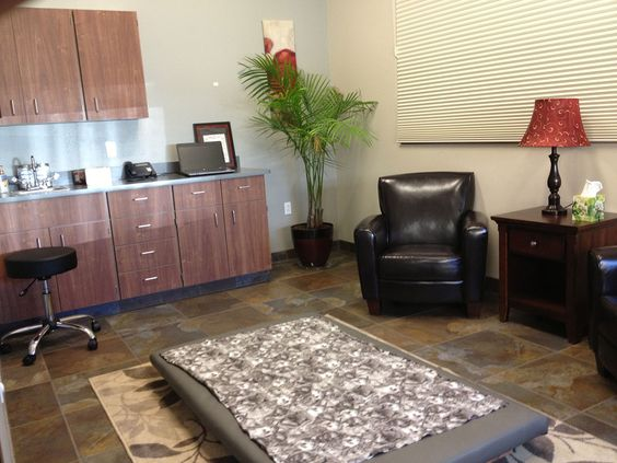 Best Photo Gallery For Website Very ugly room overall but I love the low padded patient table Building a Vet Practice Exam rooms Pinterest Hospital design Vet office and Animal