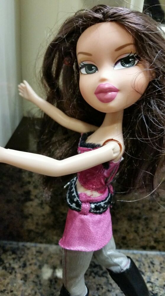 Bratz Girlz Doll 10 Tall Brunette Hazel Eyes Vguc Incl Outfit Boots Mgabratz Auburn Red Hair Hazel Eyes Red Hair