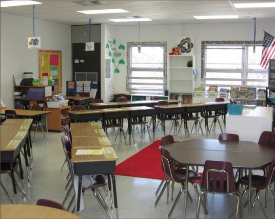 Classroom Workstation Ideas : Ideas for classroom seating arrangements desk
