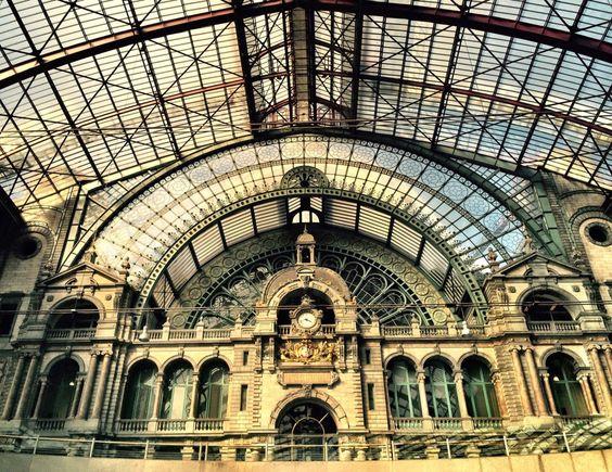 Já tinha ouvido dizer que essa era a estação de trem mais bonita do mundo. Quer saber? Conheço bem poucas, mas deve ser verdade sim!
