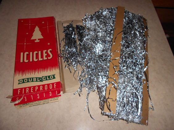 VINTAGE 1950's Doubl-Glo Icicles.  B
