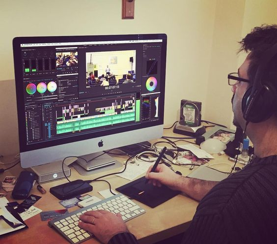 Completing Part 2 of #session 1 of a #video #project  teaching series for a theological seminar. It's surprising how much #work goes into something that looks easy to do. #multicamera #production #videoediting #adobe #premierepro #colourcorrection #workspace #creative #day in the #iNNNOVATIONphotography #office @johntancock