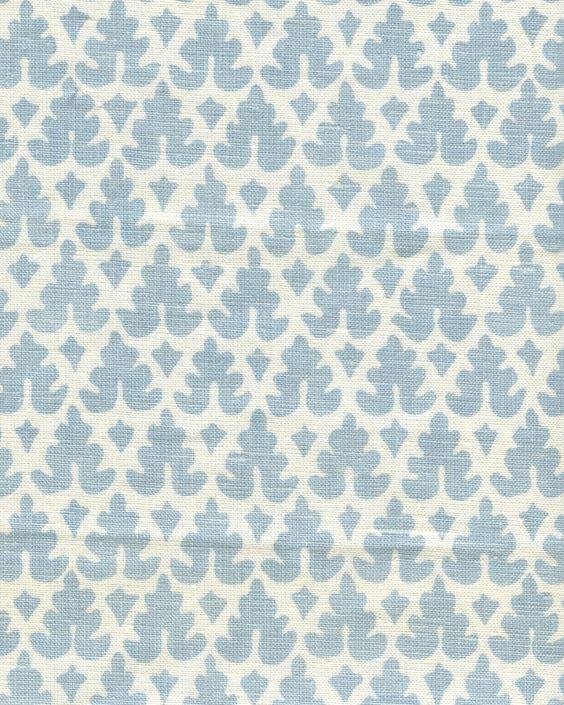Volpi_Neutral_Soft_Windsor_Blue_on_Tint_304040B_03_2400.jpg 2,400×3,000 pixels: