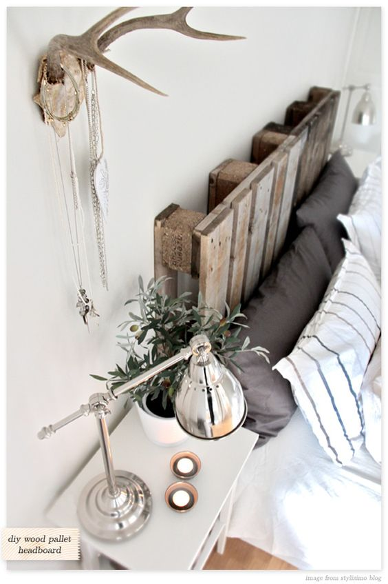 antlers and pallet headboard