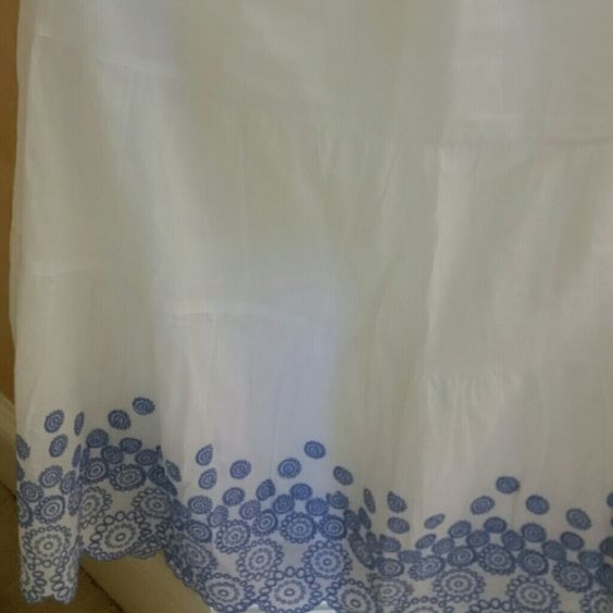 White skirt with blue floral border White summer skirt with delicate blue floral border Skirts