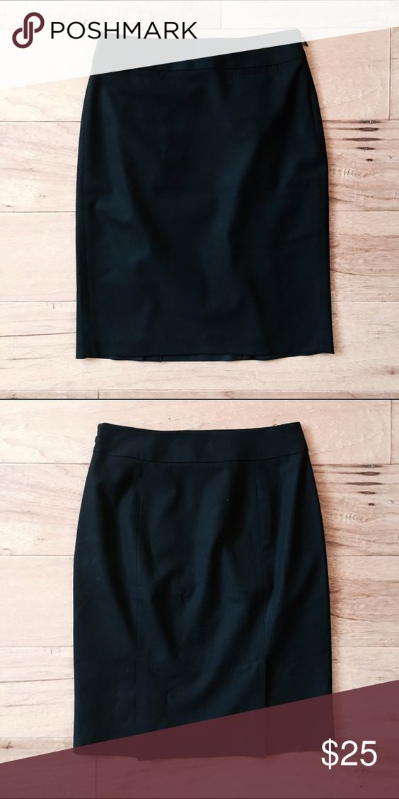 """Banana Republic Lightweight Wool Pencil Skirt 00P Banana Republic black lightweight wool pencil skirt in size 00P. Fully lined. Double vent. Side zipper. Measures 26"""" at the waist, 35"""" hips, 21"""" long. Worn only once for an interview; great condition. Banana Republic Skirts Pencil"""