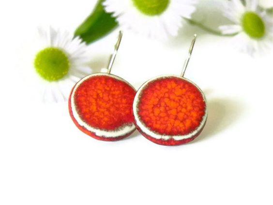 Minimaliste Earring de céramique rouge corail rond par Ceraminic