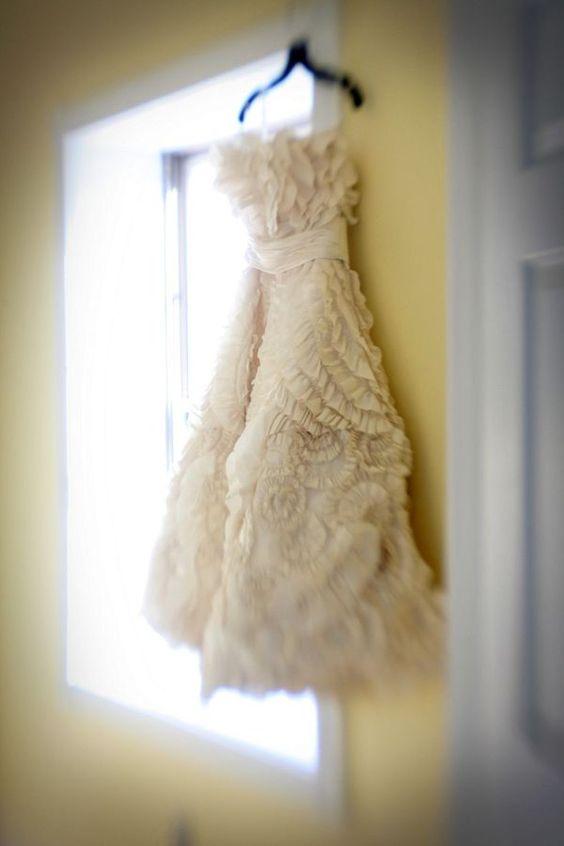 Dress. Short. White. Ruffles.