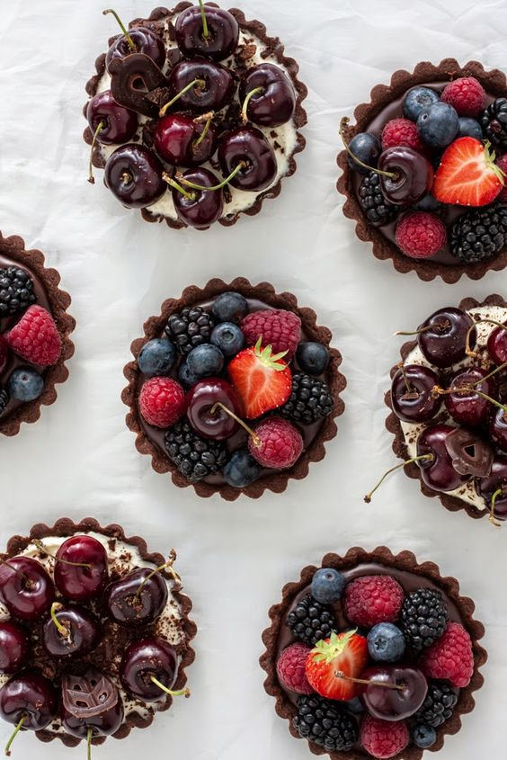 Chocolate mini tarts with two different fillings. So easy, so delicious! Everybody would love them!