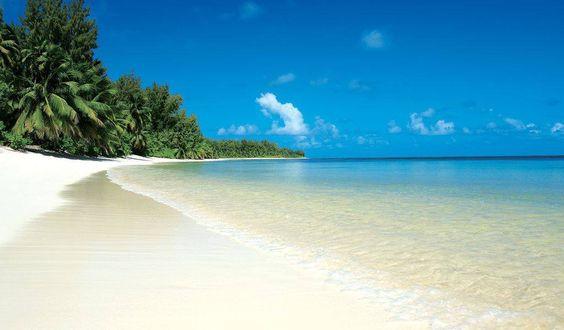 plage totalement déserte