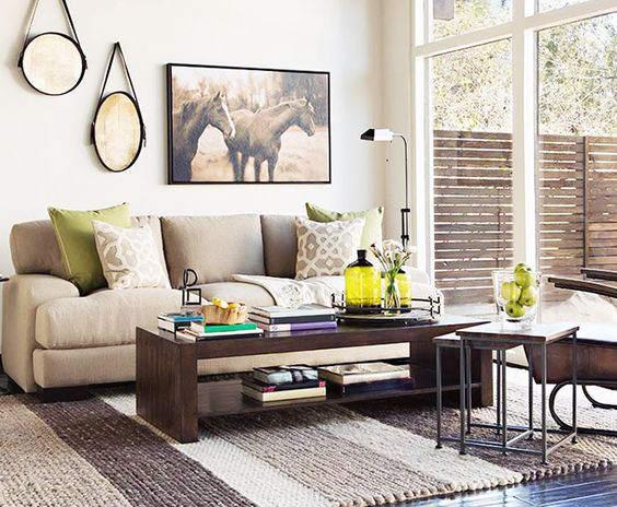 A bright room with apple green accents // Living Rooms: