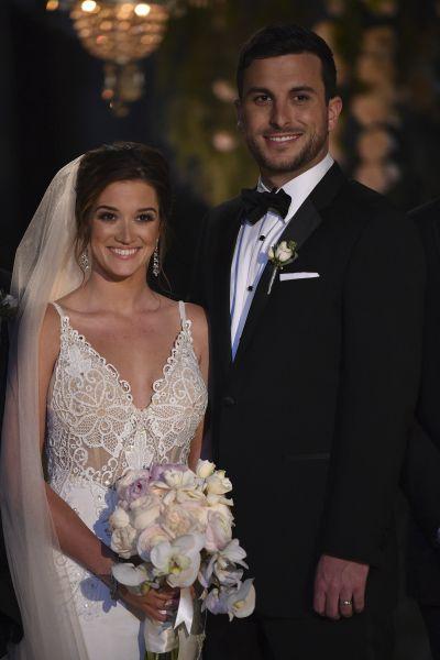 Wedding In Paradise The Bachelors Jade Roper Tanner Tolbert Tie Knot