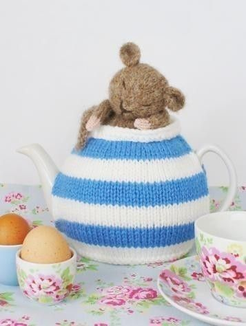 If I were ever to knit a tea cosy, this would be the one - a smile in every cup. Cornish Dormouse Tea Cosy pdf email cozy by periwinklepark, $4.50