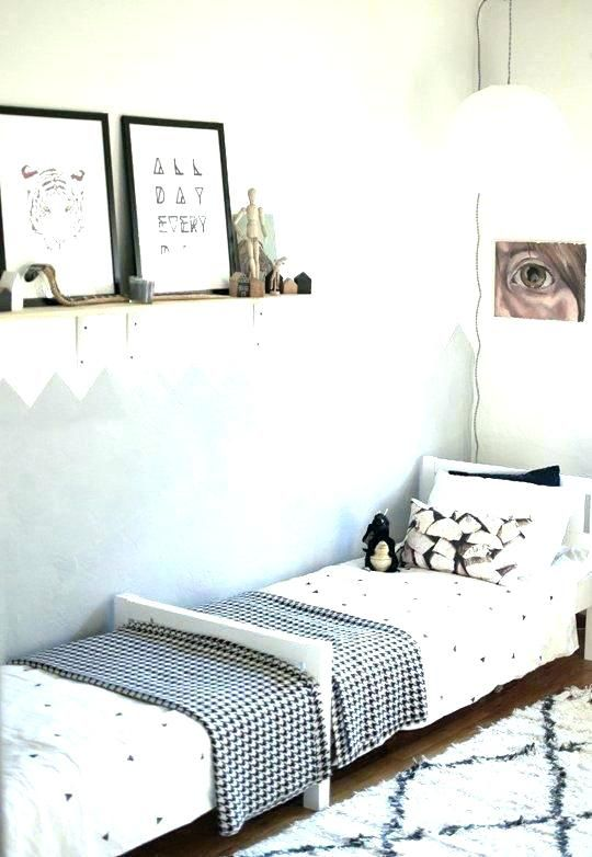 Twin Beds Arrangement Small Room Small Beds For Small Rooms