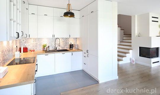 Otwarta Kuchnia Z Zabudowa Do Sufitu Kitchen Cabinets Home Kitchen