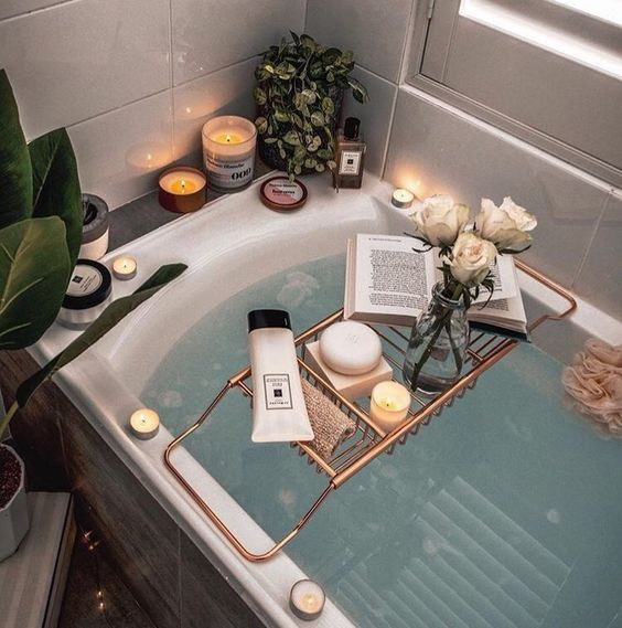Take a hot bath - 21 self date ideas to treat yourself - OurMindfullife.com
