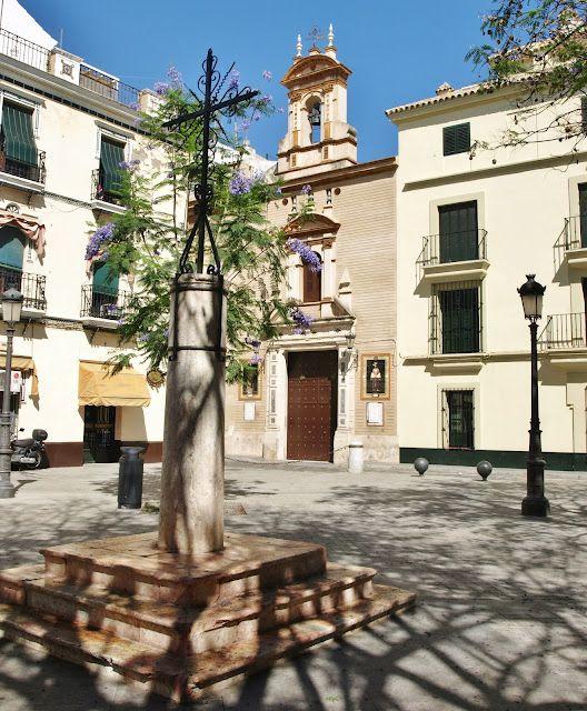 La Cruz de la Plaza de Molviedro.