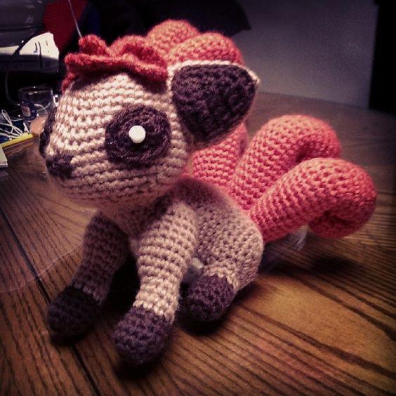 Amigurumi Vulpix Pattern : Vulpix (Crochet pattern) by SirPurlGrey Patrones gratis ...