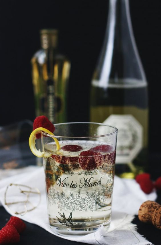 An Easy Oscar Cocktail To Kick Off Your Academy Awards Party | Free People Blog #freepeople