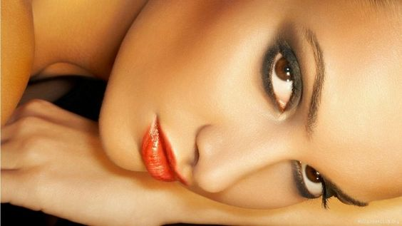 my perfect look tis spring, metallic eyes, coral lips and cheekbones