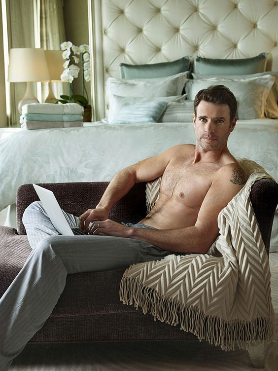 Scott Foley. Oh man. Totally on my list. He is beautiful.